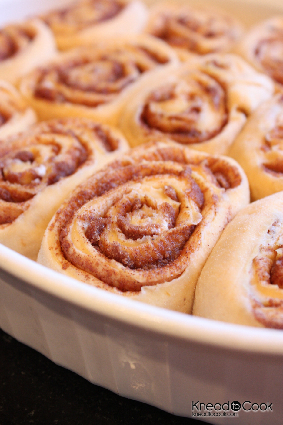 Healthier Pumpkin Cinnamon Rolls with Pumpkin Spice Glaze. - Knead to ...