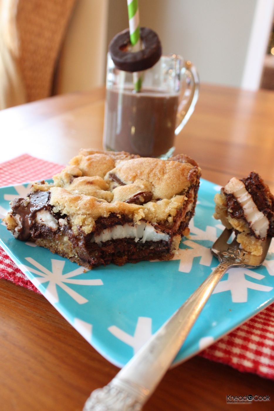 Peppermint Patty Chocolate Chip Cookie Bars. - Knead to Cook